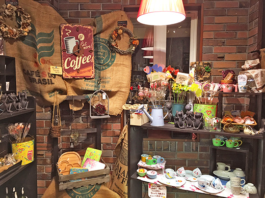 コーヒー柄の雑貨やピック