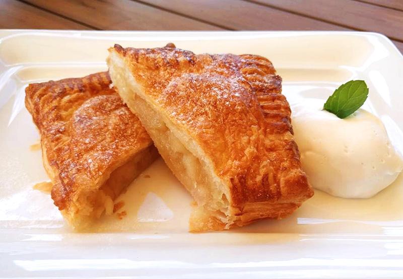 南蛮屋カフェの焼き立てアップルパイ