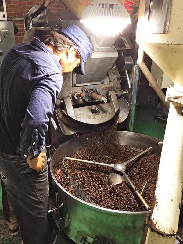 南蛮屋の炭火焙煎コーヒー焙煎工場