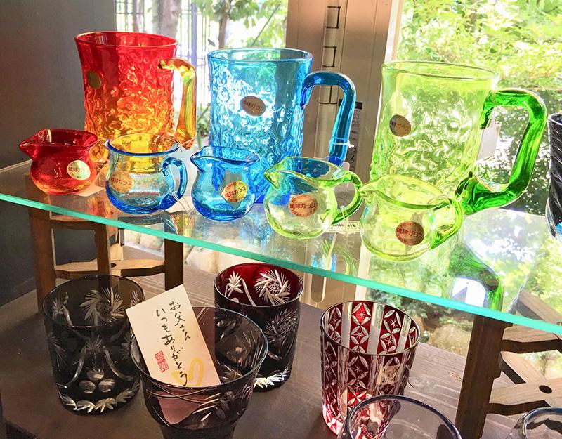 涼しげなガラス製品
