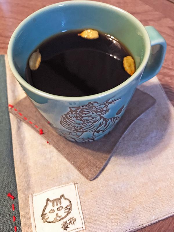 カルダモン入りのお手軽スパイスコーヒー