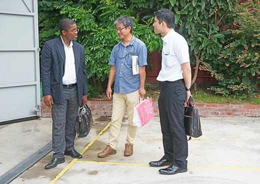 ガボン共和国からのお客様が南蛮屋ガーデン訪問