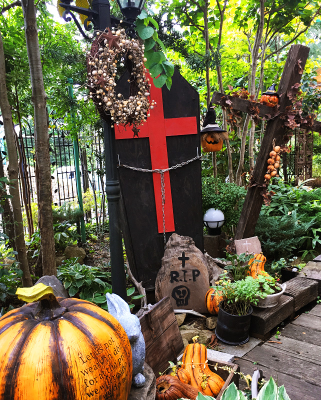 南蛮屋ガーデンのハロウィン飾り
